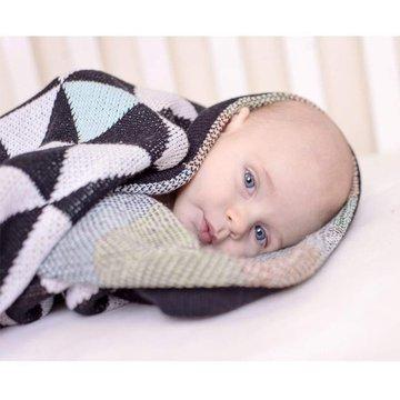 Bizzi Growin Triangles Blanket  kocyk Trójkąty